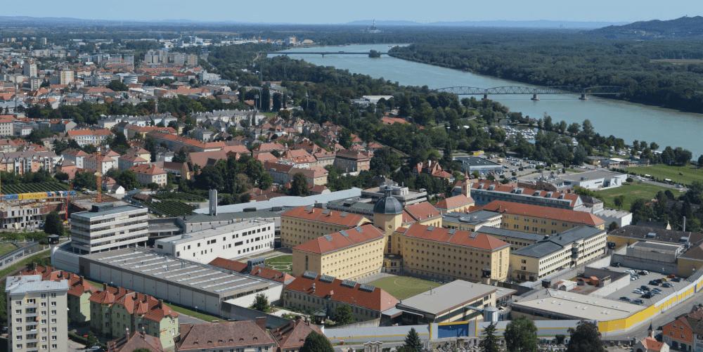 Justizanstalt Stein, Luftbildfotografie