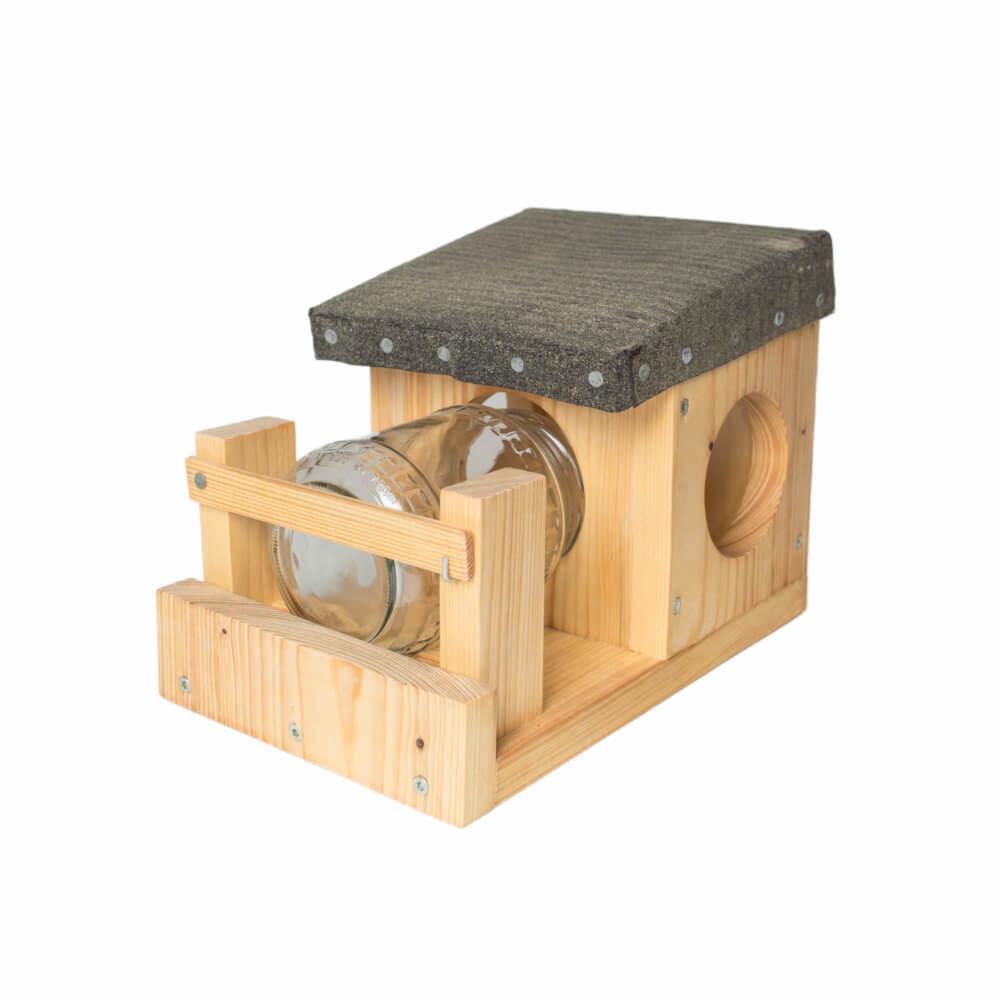 futterstelle f r eichh rnchen futterstelle f r eichh. Black Bedroom Furniture Sets. Home Design Ideas